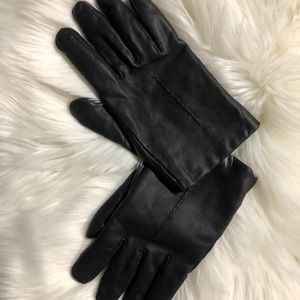Black Leather gloves. Thinsulate. Sz. L lined EUC.